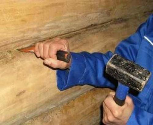 Материал для заделывания щелей в бревенчатых домах. Как убрать щели между бревнами