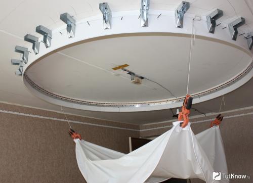 Натяжные потолки, как сделать самому. Споты и точечные светильники