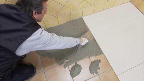 Можно ли класть плитку на плитку на стене. Почему вопрос об укладке плитки поверх старой актуален?