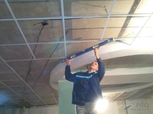 Монтаж Армстронг подвесной потолок. Установка