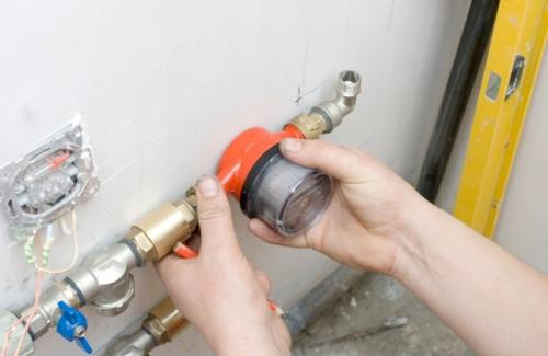 Советы по ремонту квартиры своими руками. Особенности монтажа коммуникаций