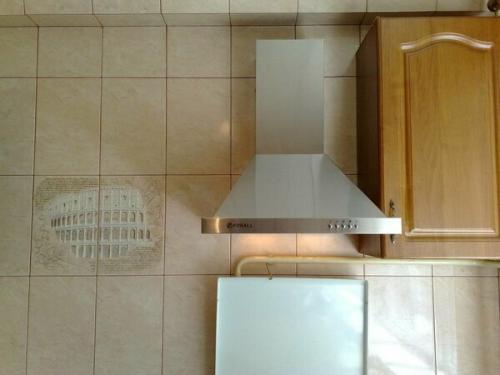 Кухонные вытяжки без подключения к вентиляции. Стоит ли подключать вытяжку к вентиляции: с чем придется столкнуться?
