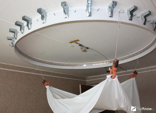 Натяжной потолок установка своими руками. Споты и точечные светильники