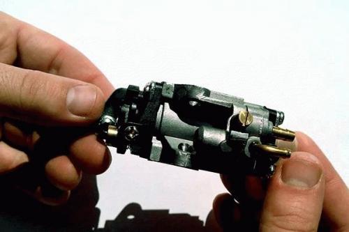Триммер бензиновый устройство и ремонт штанги. Устройство карбюратора бензинового триммера 01