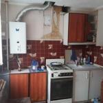 Парень, 19 лет, весь ремонт сделал своими руками, кроме мебели на кухни.