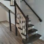 Лестница из сосны, окраска и лакировка в два цвета.