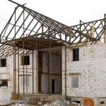 Пенобетон - легкий ячеистый бетон, который получается после затвердевания раствора из цемента, песка, воды и пены.