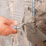 Технология выравнивая поверхности стен по маякам.