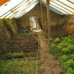 Один из самых лучших, рациональных приемов в возведении капитальных теплиц - подземная теплица - термос.