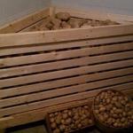 Три стоящих варианта для тех, кто хочет обустроить погреб (ящик для хранения) на балконе.