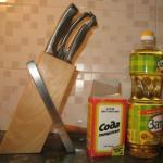 Как удалить жировой налет, грязь с деревянной кухни и одновременно, придать ей первоначальный вид.