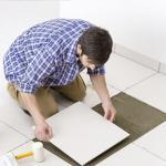 Как укладывать кафель в ванной комнате: основные этапы и технология работ.
