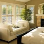 В зависимости от расположения вашего дома, естественное освещение в нем может быть холодным или теплым, что влияет на восприятие интерьера.