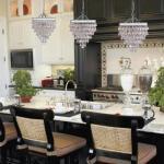 Люстры и светильники для кухни - фото светильников в интерьере.