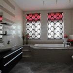 Окно в ванной комнате: дизайн и оформление.